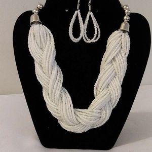 Womens fashion necklace and earrings set